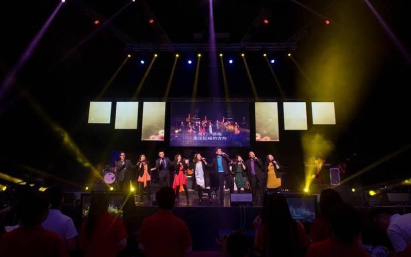 讚美之泉大陸首度領會 5000信徒讚美飛揚 – 基督日報