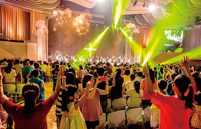 讚美之泉兒童音樂會 大聲歡呼感謝主 – 基督教論壇報
